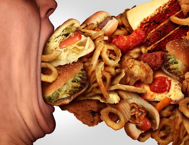 Залетающая в рот еда